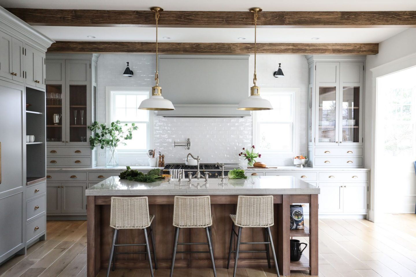 16 Simple Yet Sophisticated Kitchen Design Ideas
