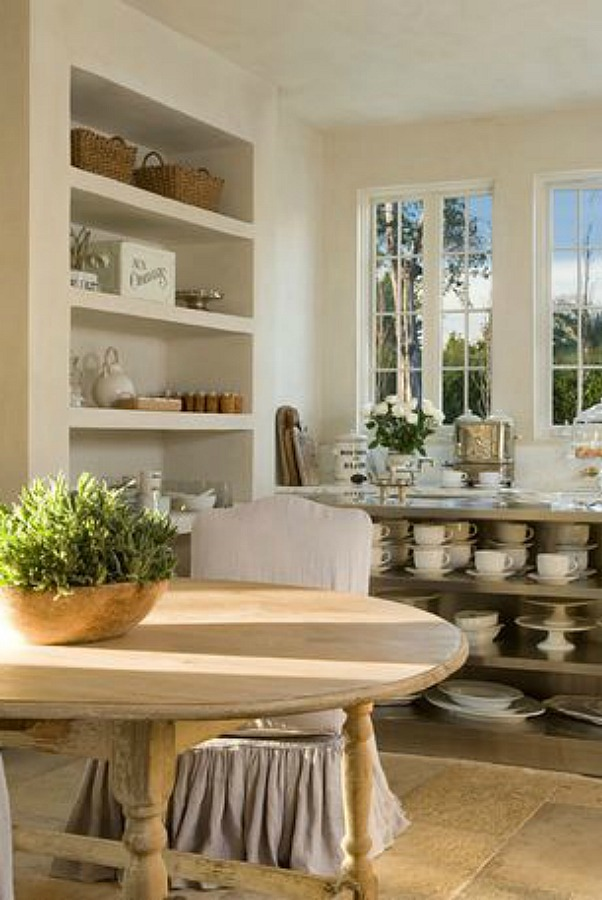 French country farmhouse kitchen with design by Pamela Pierce, architecture by Reagan Andre, and constructtion by MDD. Photo by Peter Vitale.
