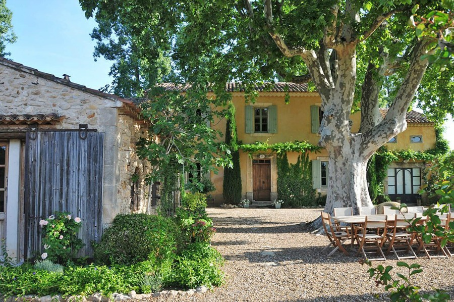 Provence farmhouse known as Bonnieux Villa is a vacation rental from Haven In and offers inspiring gardens, romantic Old World rustic elegance, and interior design inspiration from the South of France!