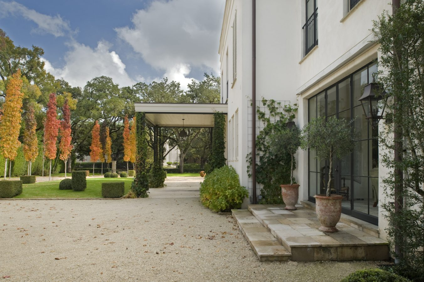 Montrose home in Houston. Come enjoy photos of this house tour with architecture by Reagan Andre.