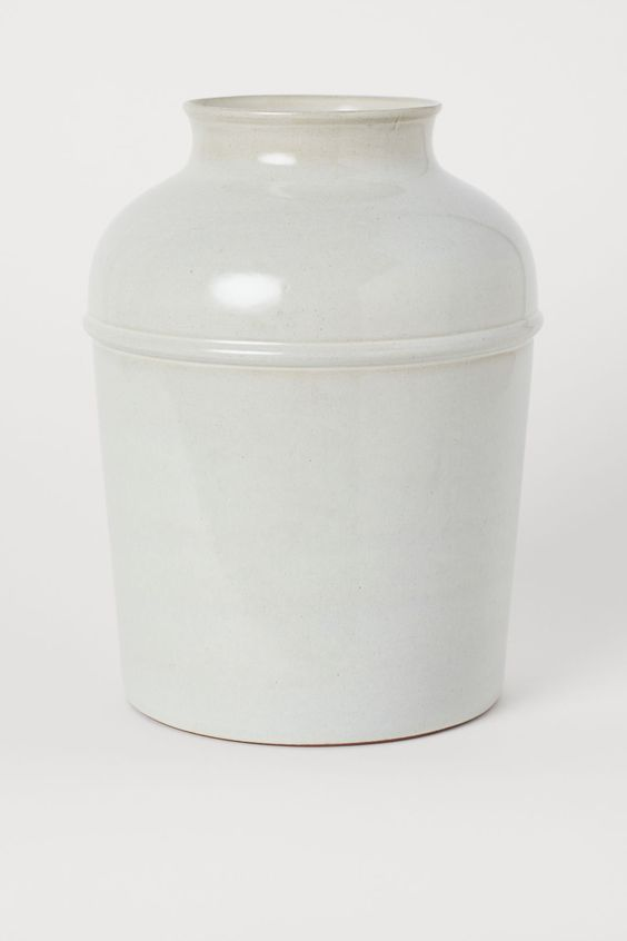 White French country earthenware vase. #vases #homedecor #frenchfarmhouse #terracotta #urns
