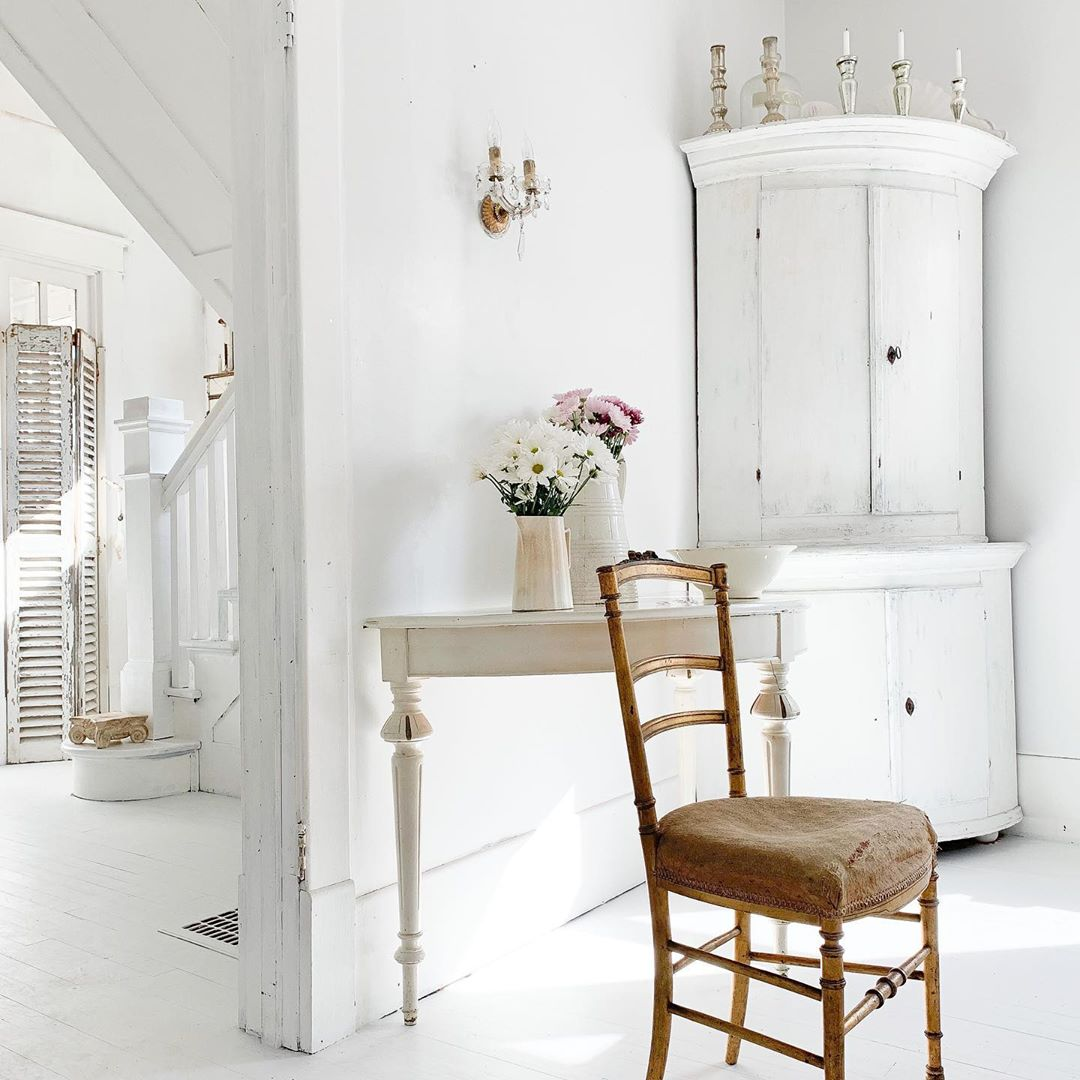 White French Nordic decor and ethereal serenity in a kitchen by My Petite Maison. #frenchnordic #nordicfrench #frenchcountry #whitedecor #shabbychic #oldworldstyle #swedishdecor #countryfrench #uropeancountry