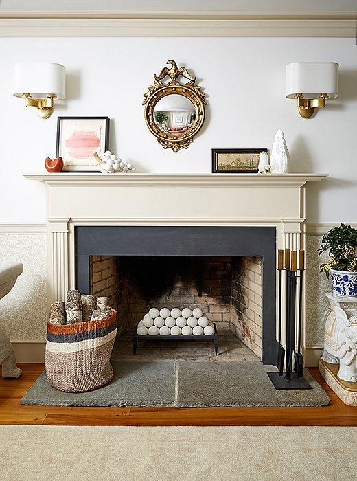 Fireplace at One Kings Lane Connecticut Farmhouse Showroom with modern farmhouse interior design. #traditionalstyle #farmhouse #onekingslane