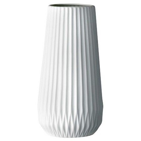 White ceramic fluted vase. #vases #homedecor #farmhousestyle