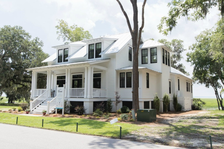 Modern Coastal Cottage Design Inspiration in 2018 Coastal Living Idea House. Design by Jenny Keenan and architecture by Eric Moser.#cottageexterior #southcarolinacottage