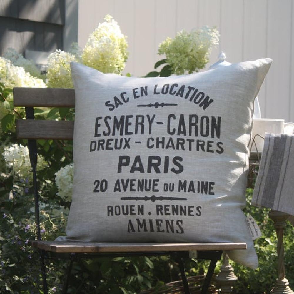 French grain sack pillow handmade and custom from Debeaucheneco on Etsy. #linenpillow #grainsackpillow #frenchfarmhousedecor