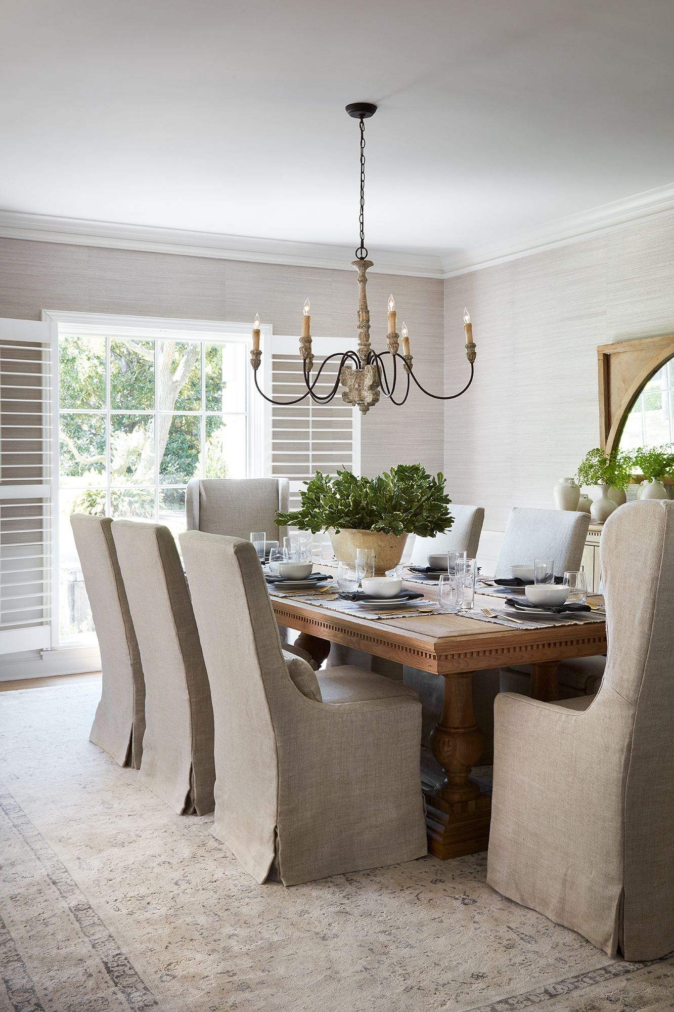 Dining room in the Club House on HGTV's Fixer Upper - a renovation by Chip and Joanna Gaines with a French country spirit. #fixerupper #theclubhouse #frenchfarmhouse #getthelook #joannagaines #frenchcountry #interiordesign #diningroom #homedecor
