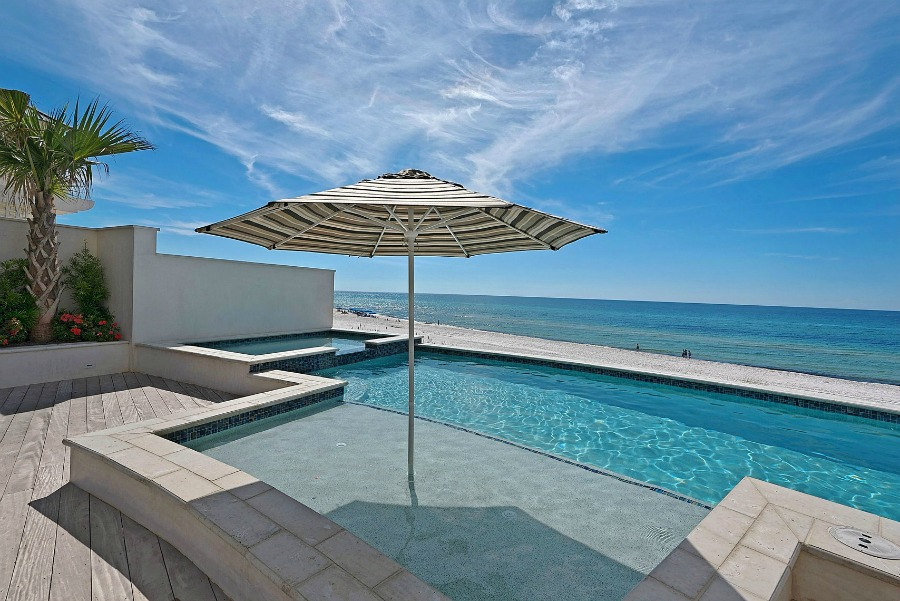 Luxurious pool design inspiration from a magnificent coastal style classic home by architect Geoff Chick. #pooldesign #beachhouse #coastalstyle #luxurypool