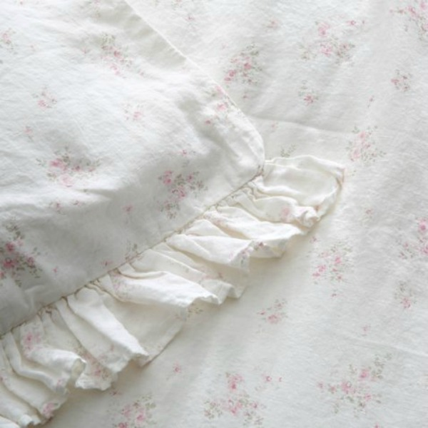Rosabelle bedding. Shabby Chic Couture Design Inspiration from Rachel Ashwell!