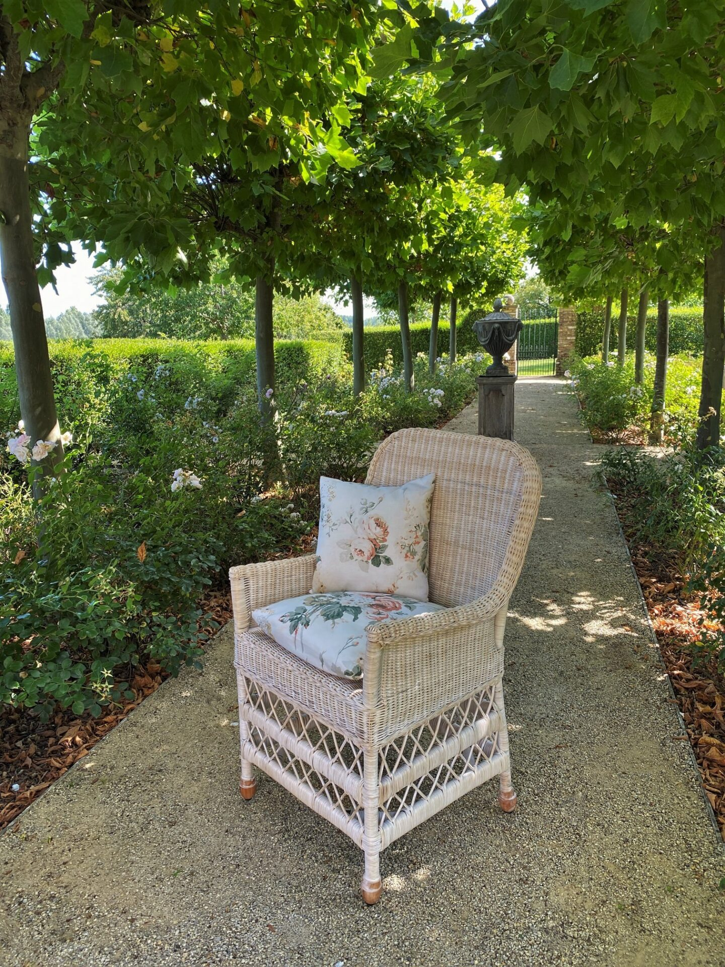 Mimi chair: Timeless design in the Belgian home and gardens of Greet Lefèvre. #belgianstyle #europeancountry