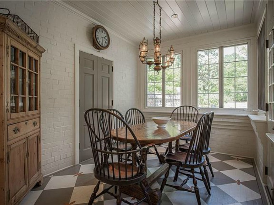 Breakfast nook in an elegant historic home with Old World style and beautifully classic European inspired interiors in Marietta Georgia was built for the Kennedy-DuPre family. See more in Traditional Style House Tour: 1935 English Tudor on Hello Lovely Studio.