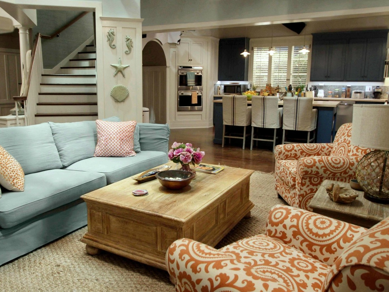 Grace & Frankie beach house living room and kitchen has inspired 15 Grace and Frankie Beach House Decorating Ideas!