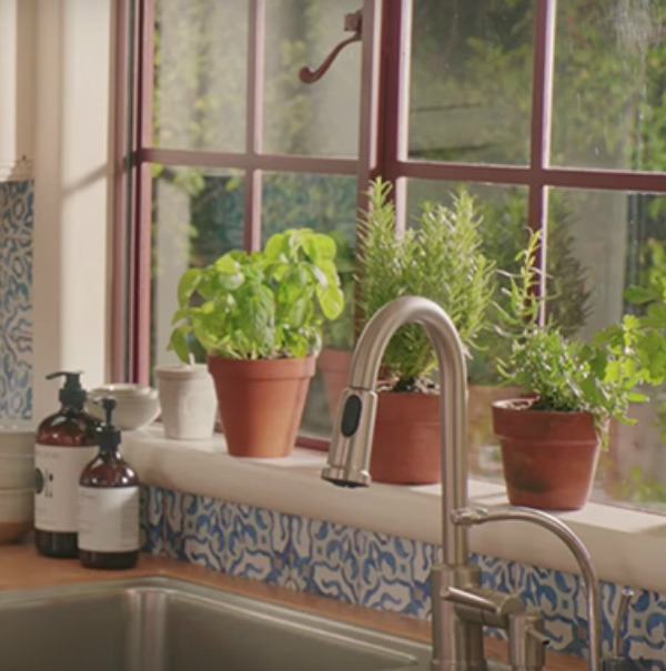 "Kitchen sink detail in ""Home Again"" (Open Road Films) with Reese Witherspoon. Come get ideas to Steal this Look: Laid Back Cali Slightly Boho Chic in HOME AGAIN With Reese Witherspoon."