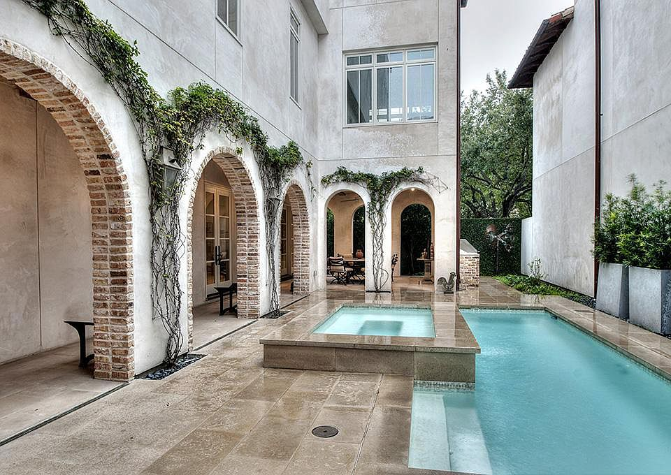 Beautiful and luxurious European style home on 1119 Berthea St. in Houston. #luxuryhome #realestate #houstonhome
