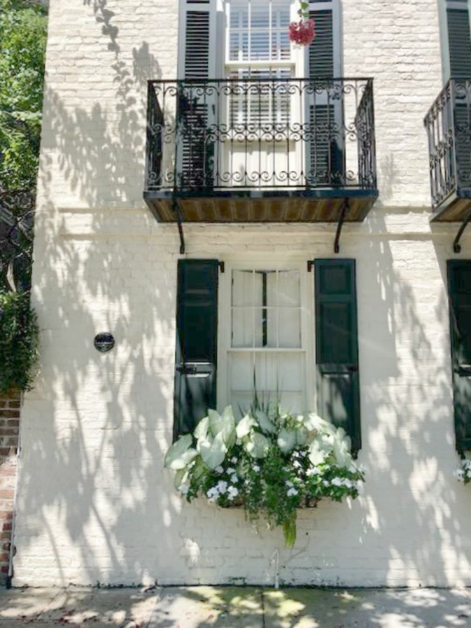 Charleston's charming historic district is graced with architecturally magnificent homes, secret gardens, lush window boxes, and colorful design inspiration. Come enjoy this photo gallery with Historic Charleston Mansion Exteriors on Hello Lovely Studio.