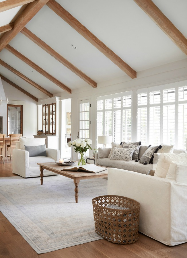 French country living room on Fixer Upper in Episode 11 of Season 5 - The Club House. #Joanna Gaines #fixerupper #interiordesign #getthelook