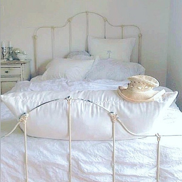 Swedish style, Scandinavian mood, and Nordic French decor lovers rejoice - this gorgeous white space by My Petite Maison is serenely inspiring! Come be inspired by more white country interiors.