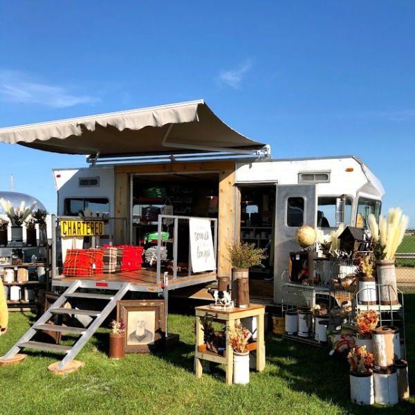 Vintage camper! Autumn inspiration, Fall farmhouse style decor, vintage wares, and handmade treasures mingle at Main Street Market (Urban Farmgirl) in Belvidere, Illinois - Hello Lovely Studio. #fleamarket #farmhousestyle #vintage #junkin