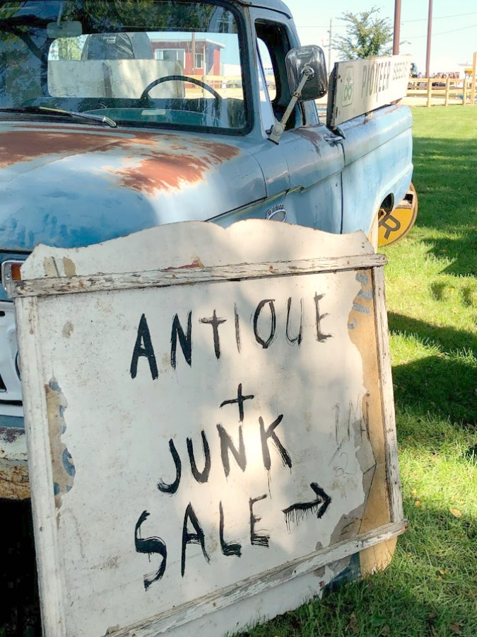 Vintage truck, farmhouse decor, and junkin paradise in the fall - Main Street Market (Urban Farmgirl) in Belvidere, IL - Hello Lovely Studio. #fleamarket #vintage #farmhouse #countrydecor #midwest