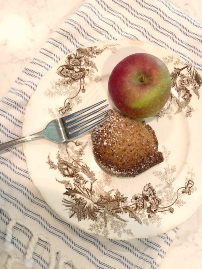 Recipe for easy homemade cinnamon cider donut cake from Hello Lovely Studio. #applecidercake #donutcake #applerecipe #applecake