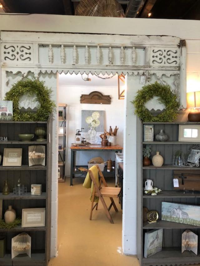 Mercantile 1858 is a lovely shop in Franklin, Tennessee with vintage and farmhouse style decor - Hello Lovely Studio. CLICK OVER to my place to discover 4 Charming Franklin Tennessee Shops for Vintage, Antiques & Farmhouse Decor Finds!