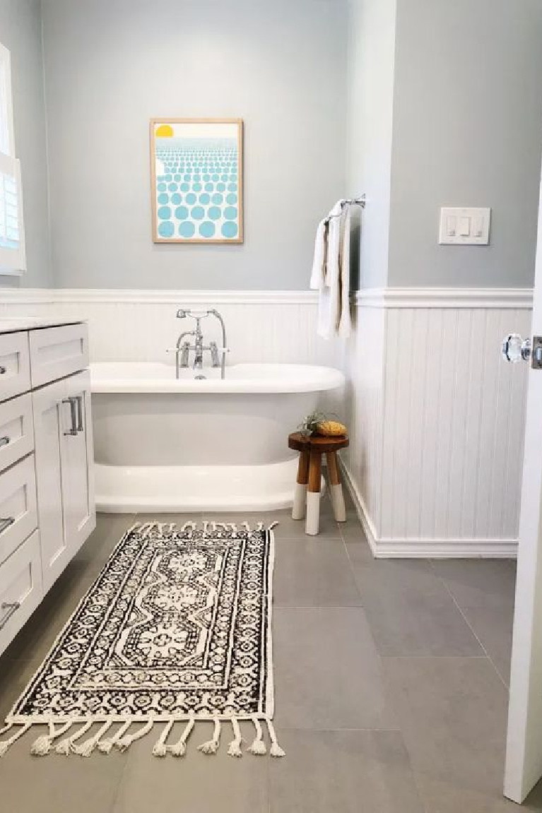 Behr Light French Gray in classic bath with freestanding tub - The Heart and Haven. #behrlightfrenchgray #paintcolors #bluegray #graypaints