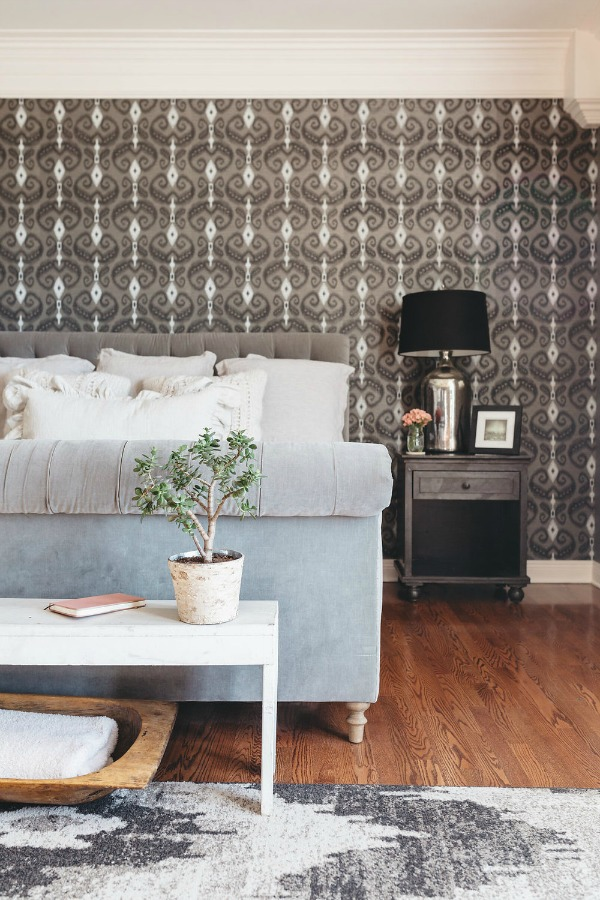 Stunning wallpaper in bedroom of Phillip Sweet (Little Big Town) in the book City Farmhouse Style by Kim Leggett. Photo by Alissa Saylor. #cityfarmhousestyle #moderncountry #bedroomdesign #wallpaper