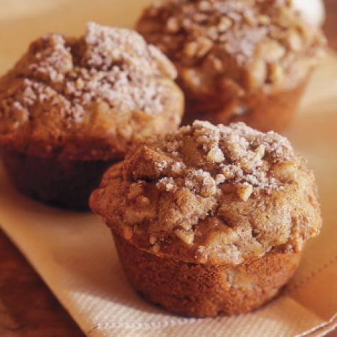 Yummy vanilla pear muffins with a crunchy sugar topping - Williams-Sonoma. #pearmuffins #pearrecipes #pears #fallbaking