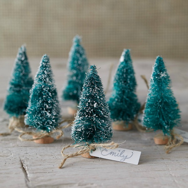 Brush tree place holders for holiday tablescapes and Christmas decor. #brushtrees #holidaydecor #placeholders