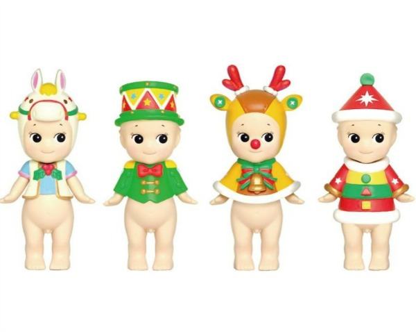Christmas Sonny Angels will bring smiles and delight at the holidays. #sonnyangels #christmasdecor #cupie #whimsicaldecor