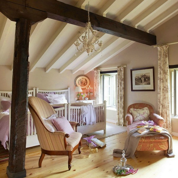 Bedroom in a romantic french country cottage decorated with white and pink in Spain is decorated for Christmas with soft and quiet decor. #holidaydecor #christmasdecor #frenchcountry #decorating #cottagestyle #whitechristmas
