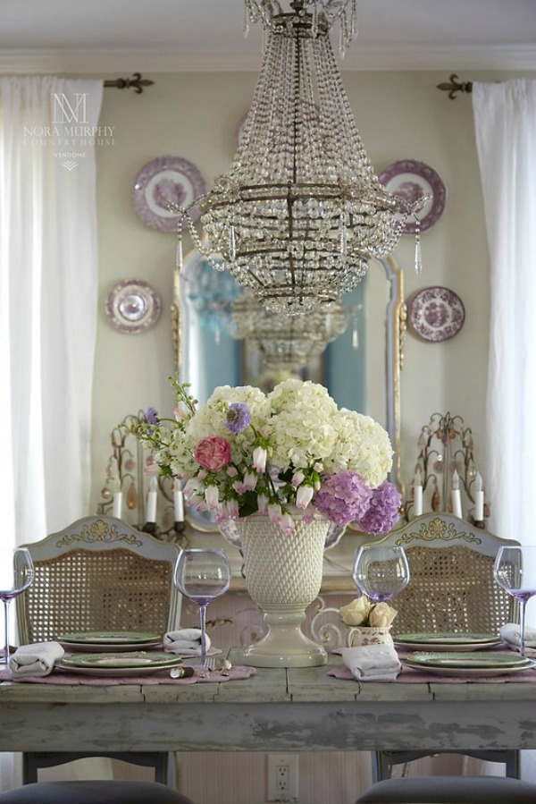 Romantic French country dining room of Maison Decor's Amy Chalmers. #frenchcountry #diningroom #purpletransferware