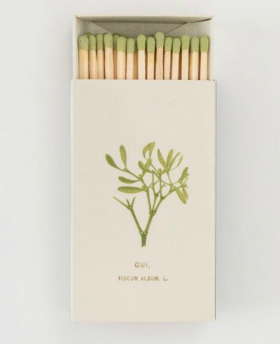 Vintage botanical matchbox is a charming wee holiday charmer! #matchbox #christmasdecor #matches