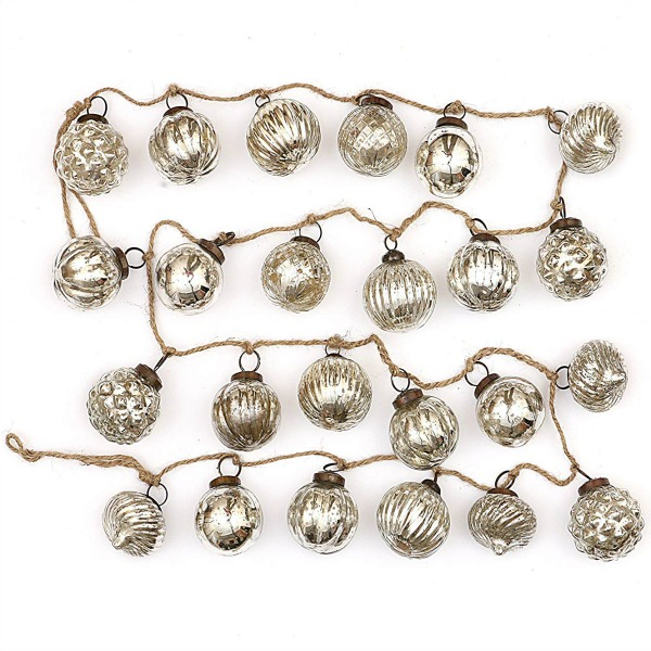 Mercury Glass bulbs garland adds whimsy and vintage style to any holiday home. #christmasdecor #mercuryglass #christmastree #glassbulbs
