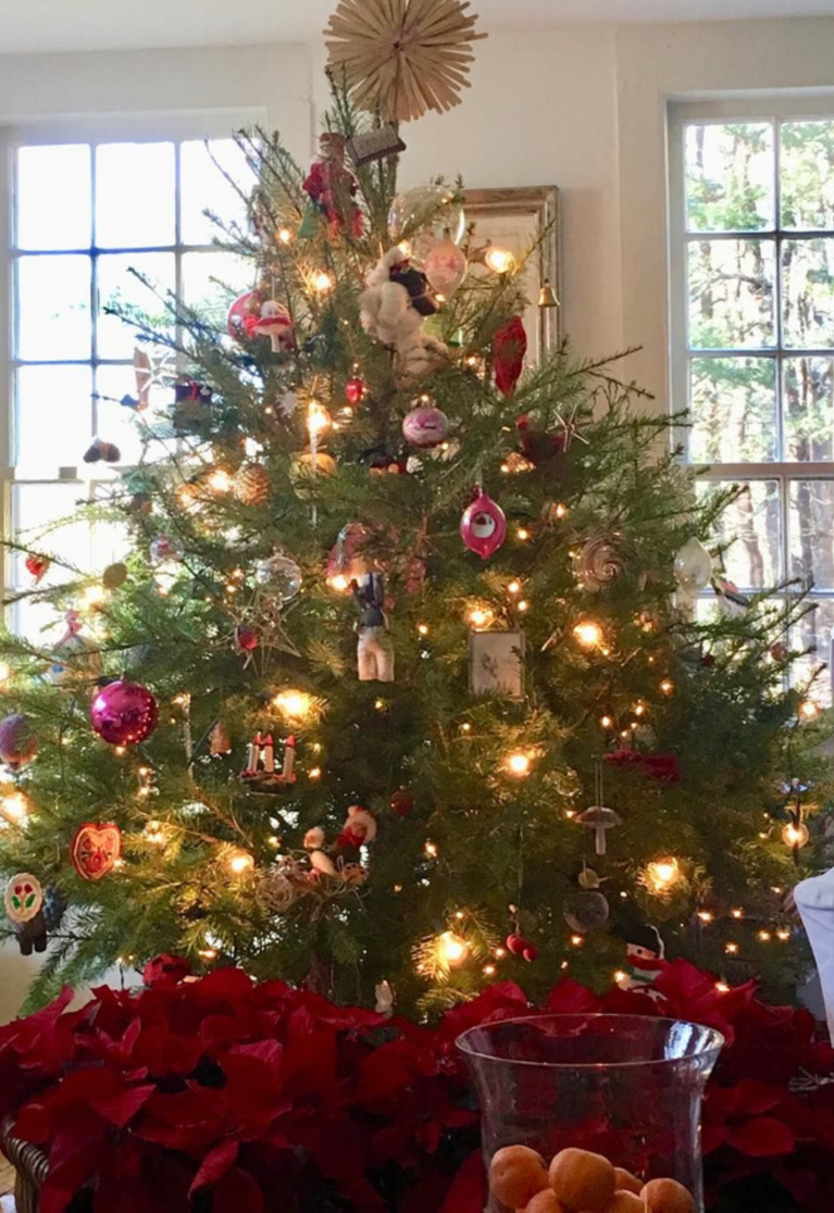 Nora Murphy's charming Christmas tree in her Connecticut country house.