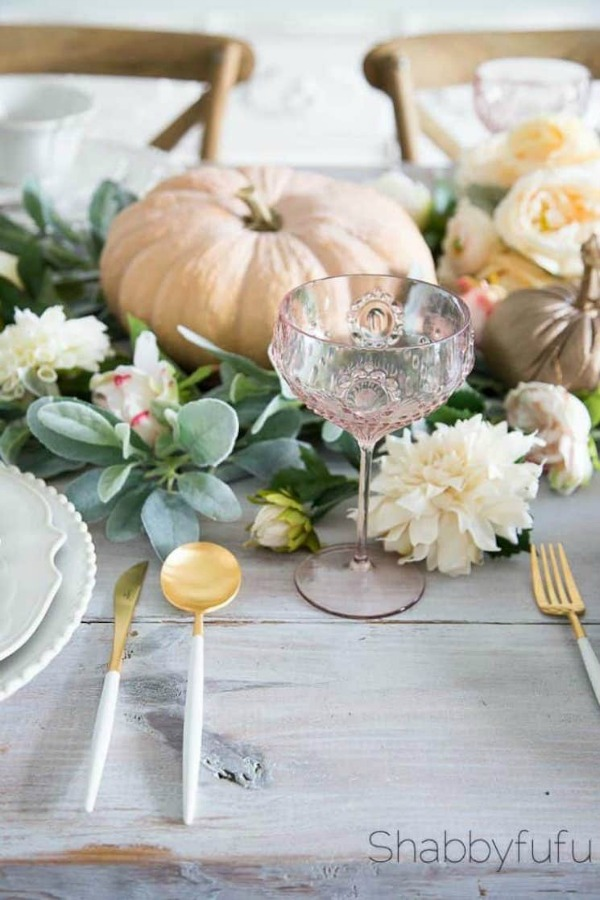 When French Country fall bliss is on the menu, your pastel and rustic elegant table looks like this beautiful one from Shabbyfufu. Serene French Farmhouse Fall Decor Photos ahead! #falltable #frenchcountry #tablescape #pumpkins #Frenchdecor #shabbychc #centerpiece