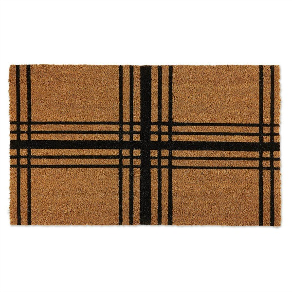 Plaid jute doormat makes a classic statement at the front door for the holidays or all winter long! #plaid #doormat #jute #holidays