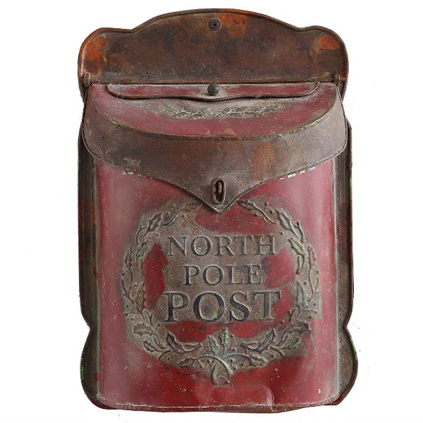 North Pole post holiday letter box adds vintage style and farmhouse charm for the season. #holidaydecor #mailbox #vintagestyle
