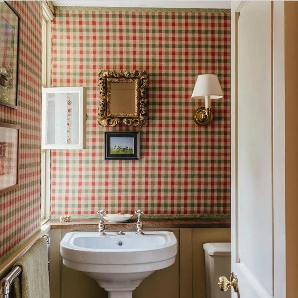Charming gingham wallpaper in lovely autumn tones within a bath with interior design by Robert Carslaw Design. #gingham #wallpaper #interiordesign