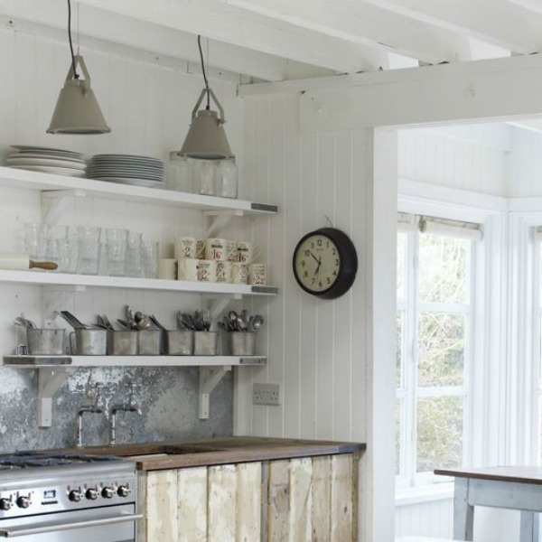 A charming white rustic vintage cottage in England (Wynchelse) by the Beach Studios is available for rent. #whitecottage #interiordesign #rusticdecor #shabbychic