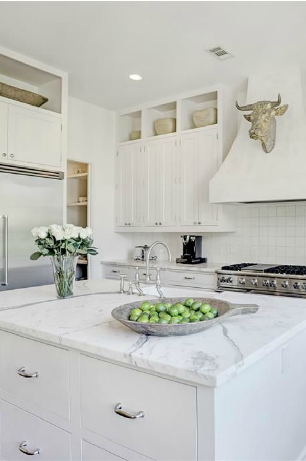 13 Clever Ideas For White Kitchens How To Add Warmth Hello Lovely