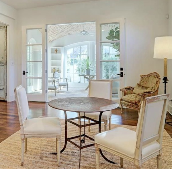 Gorgeous modern European country design style in this Houston home by Southampton. #europeancountry #interiordesign #whitedecor #modernfrench