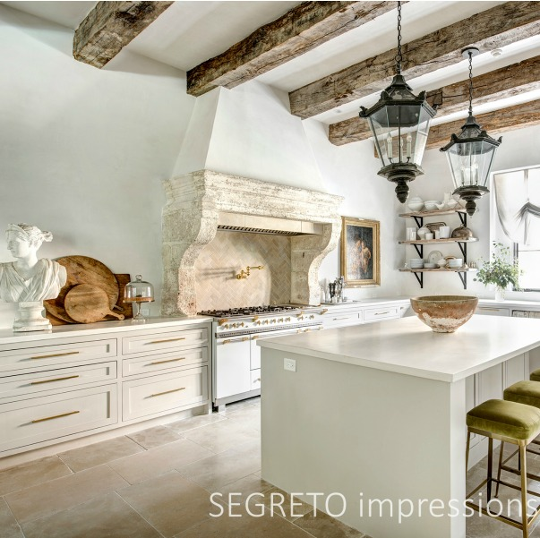 From SEGRETO impressions (2019) by Leslie Sinclair. French antiques, plaster finishes and Old World style in a showstopping modern functioning kitchen. #kitchendesign #frenchkitchen #antiques #oldworld #plasterwalls