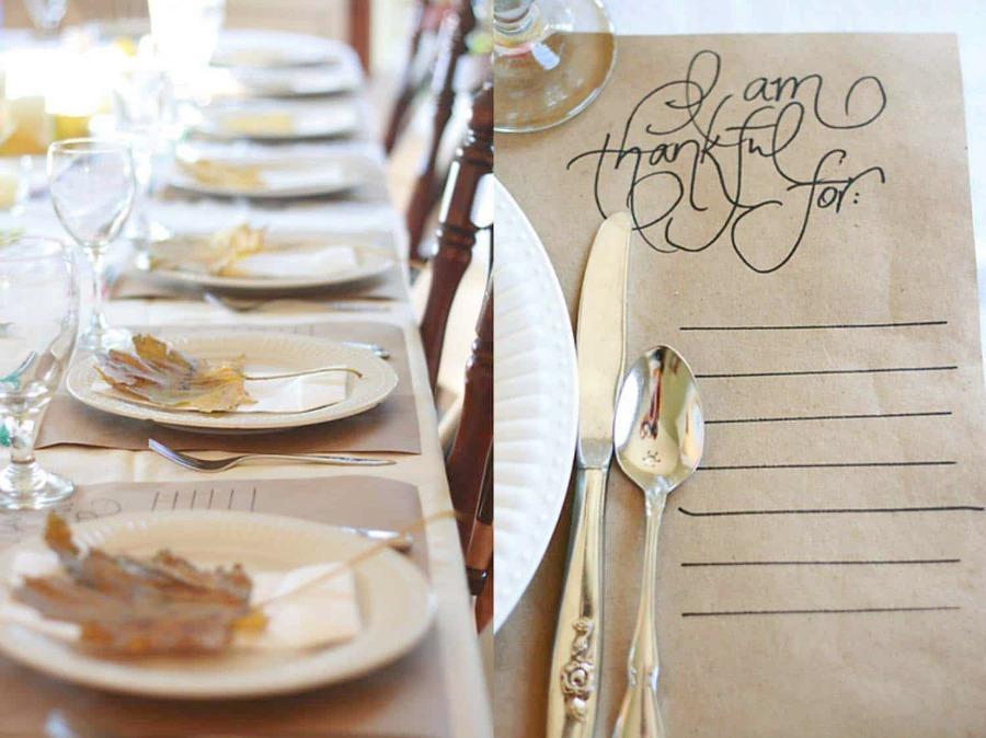 Beautiful and simple Thanksgiving table setting idea with kraft paper - Skies of Parchment. #thanksgiving #tablescape #tablesetting #tabledecor