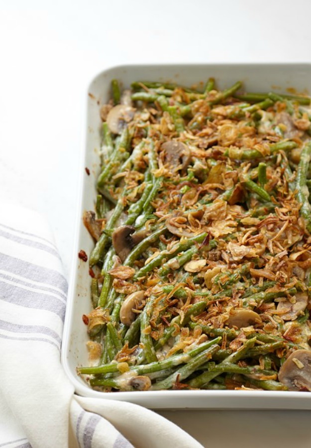 Green Bean Casserole from Williams Sonoma means you don't have to worry about your recipe's success! #greenbeancasserole #thanksgivingmenu