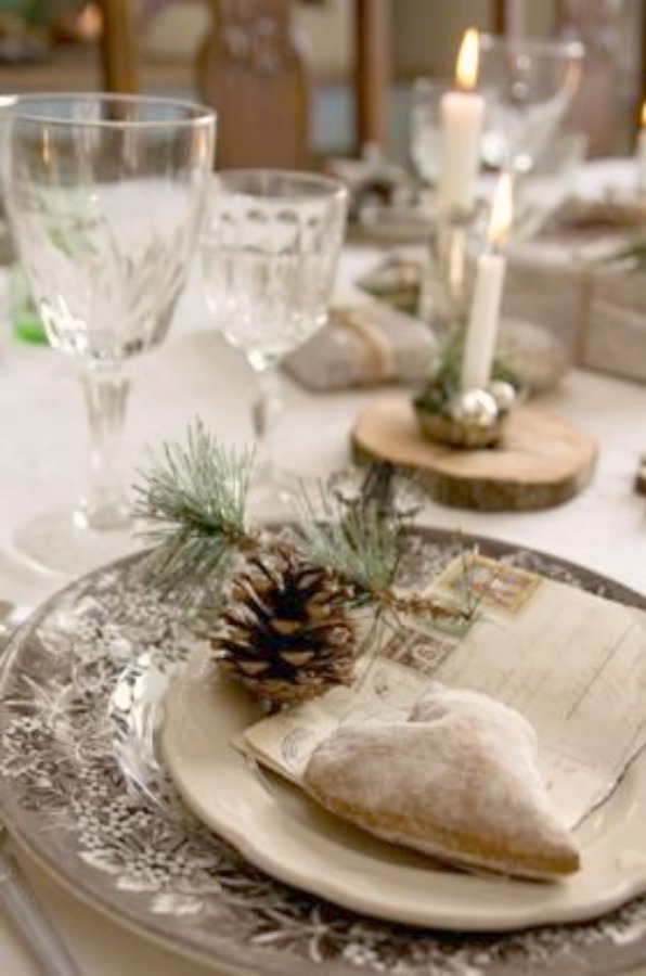 Lovely neutral Christmas tablescape with pinecone and brown transferware - Isabellas. #countryfrench #frenchcountry #holidaydecor #holidaytable #tablescape #placesetting