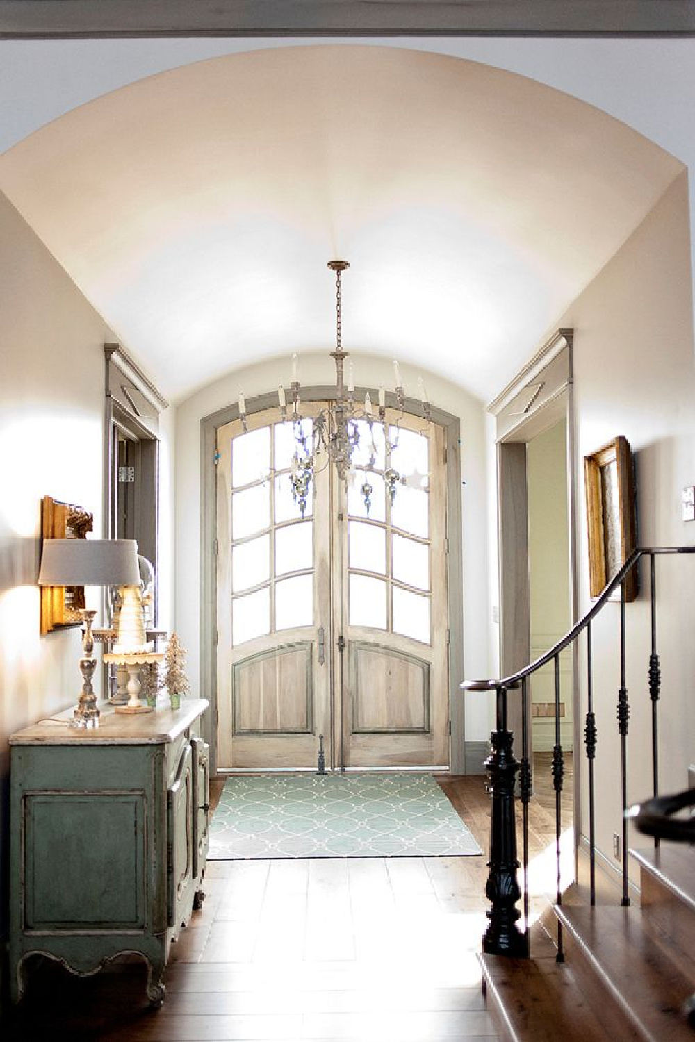 Gorgeous French Country entry with magnificent French doors - Decor de Provence. Come score ideas for a Timeless and Tranquil European Country Inspired Look. #europeancountry #interiordesign #frenchcountry