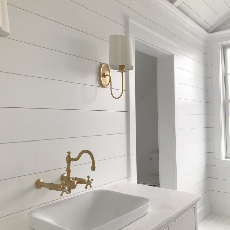 Simply White (Benjamin Moore) white painted shiplap in a beautiful bath - Gendron Painting. #benjaminmooresimplywhite #simplywhite #whitepaintcolors