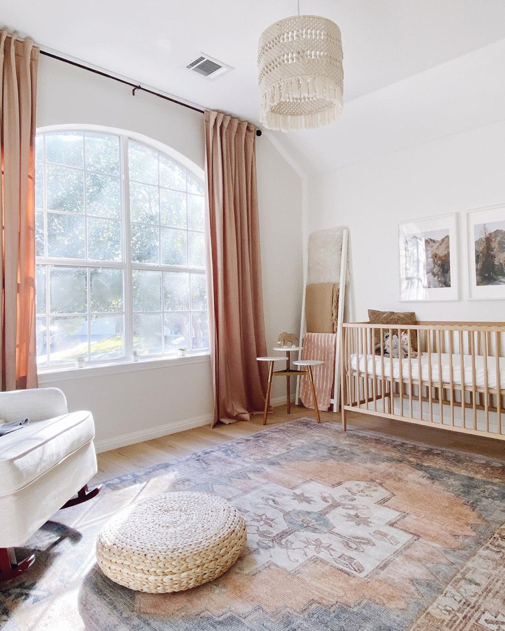 White Dove paint color on walls of a beautiful nursery by @huntsathome. #whitedove #whitedovepaint #benjaminmoorewhitedove #whitepaintcolors