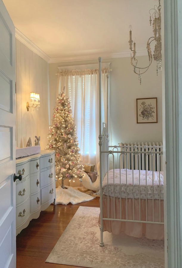 French country nursery decorated for Christmas. #frenchcountrychristmas #frenchchristmas #christmasdecor #nursery